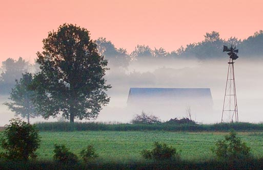 Barn In Sunrise Mist 61368