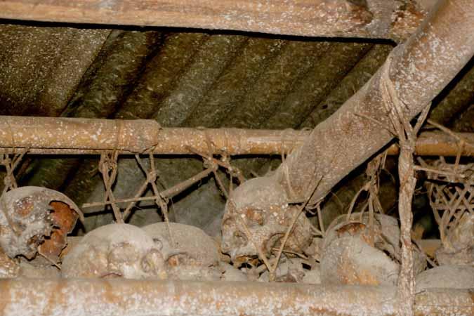 Human skulls in Kheti