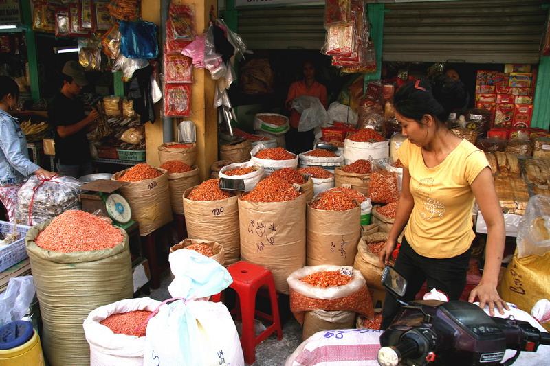 Crevettes séchées, marché de Cholong - HCMV - Vietnam