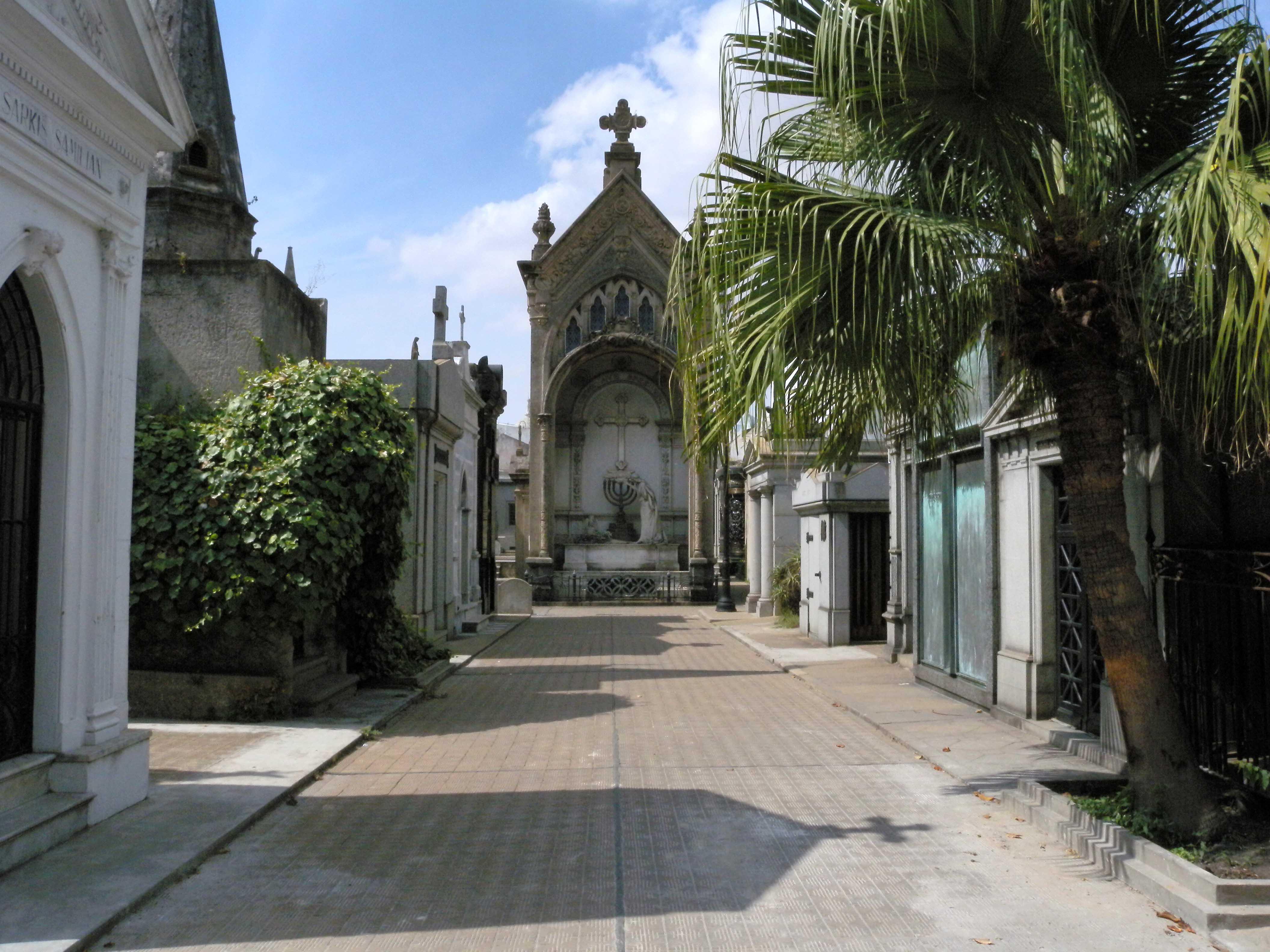 walk to La Pilar