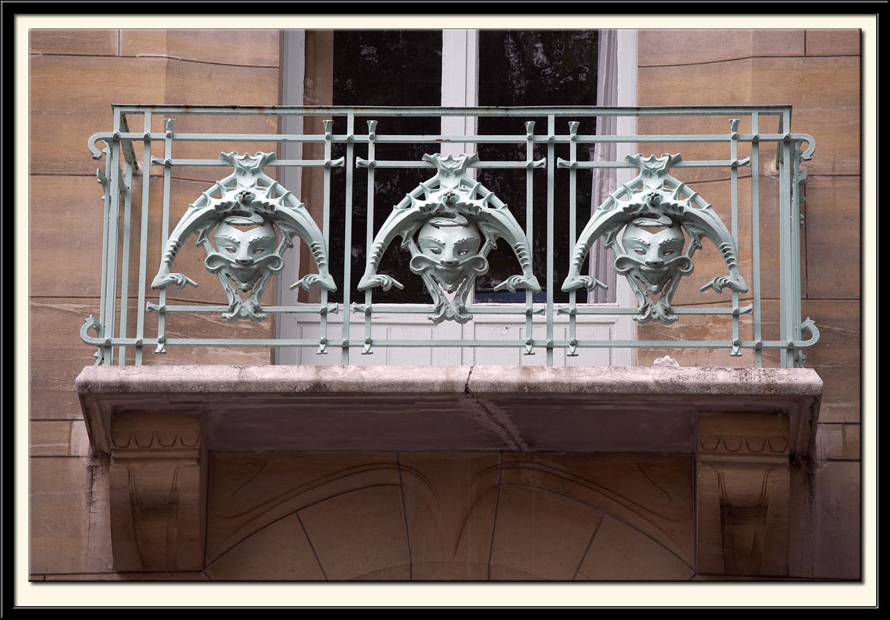 Balcony, Castel Beranger, 14 Rue la Fontaine, 1897-98