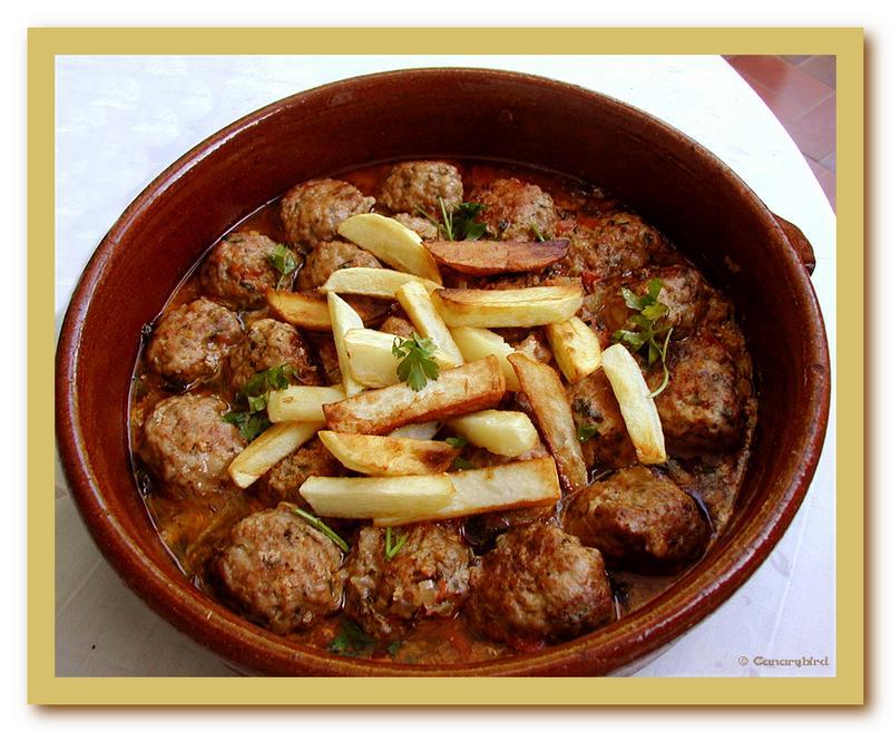 pilotes, Mallorcan meatballs