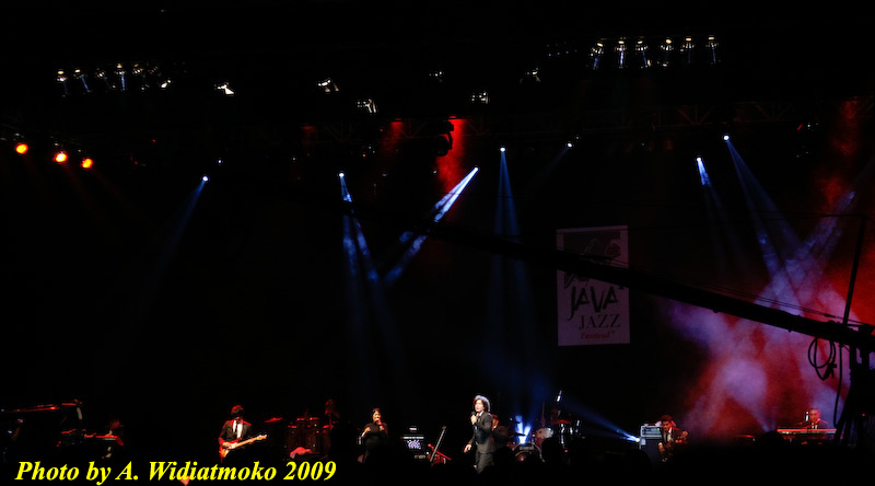 Maliq n DEssentials at Java Jazz 2009