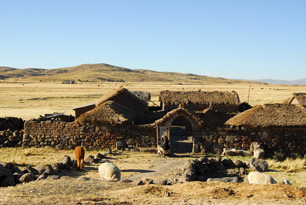 Traditional rural enclosure on the Altiplano en route to Sillustani