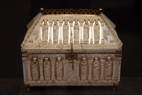Reliquary with figures from the Old and New Testaments, Cologna ca 1200
