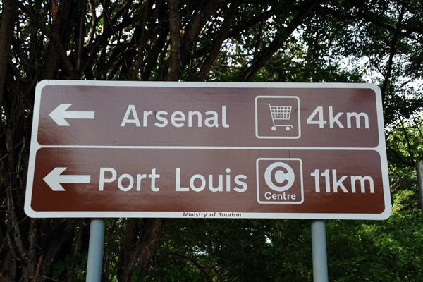 Shopping at Arsenal, 4km
