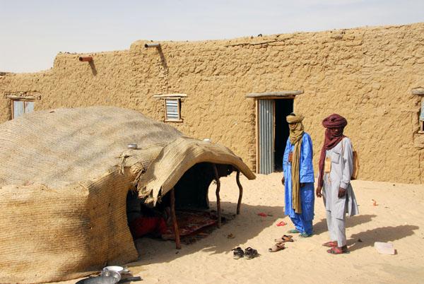 Invitation to visit the Tuareg for tea
