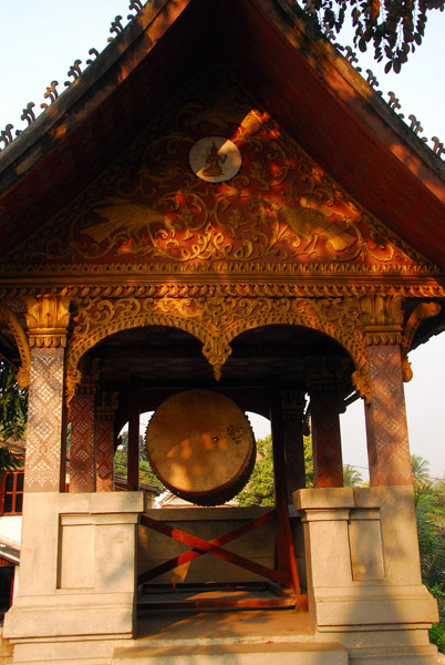 The drum of the Wat across from Nois house