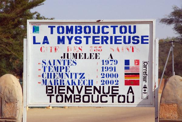 Bienvenue à Tombouctou La Mysteriuse, together with the Sister Cities, Tempe AZ, Chemnitz, Marrakech and Saintes