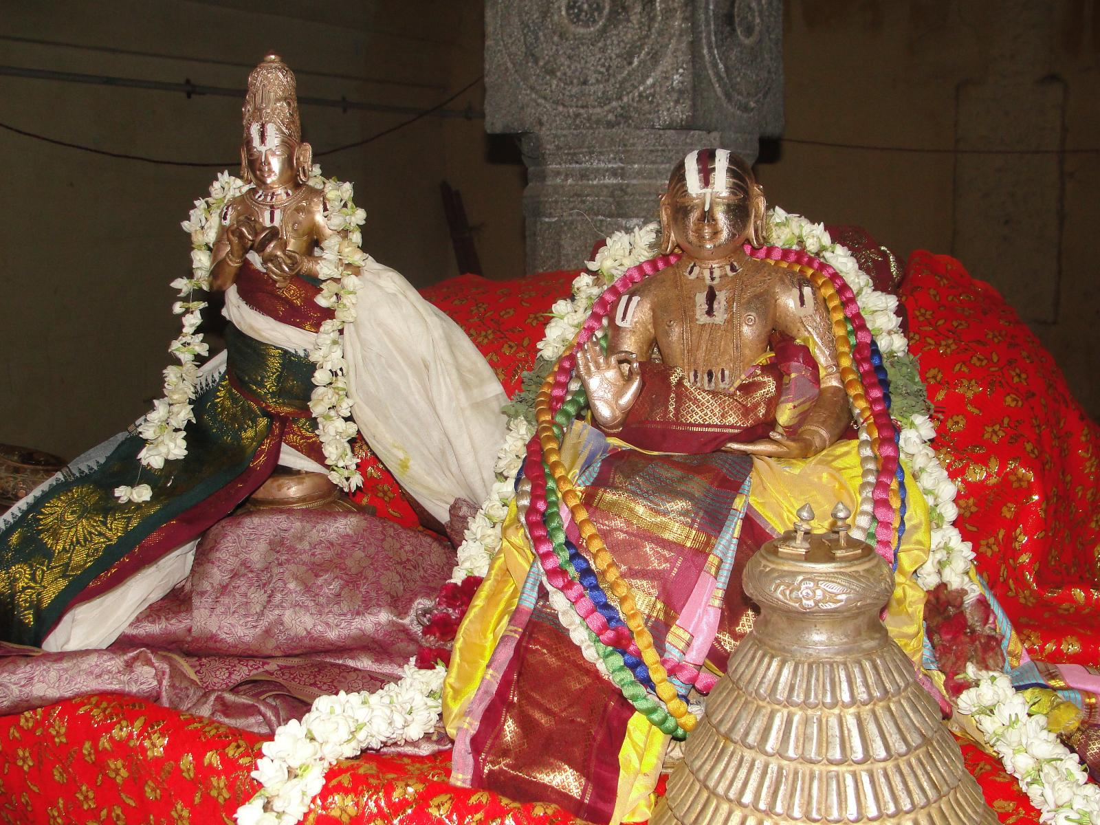 Aacharyar with Periyalwar on Alwar Satumarai Day.JPG