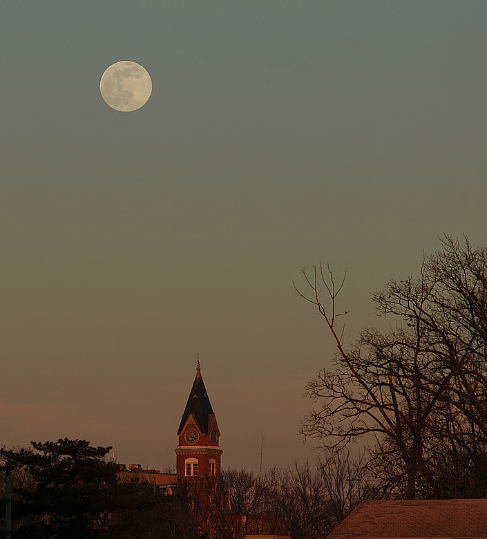 Moon & Albanys Court House  II