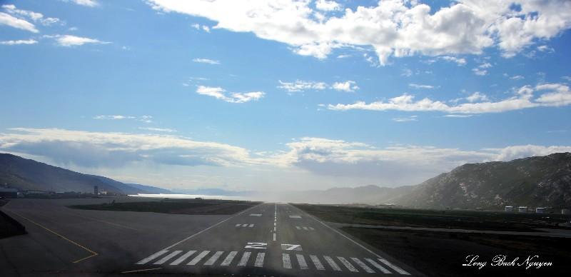 Runway 27 Sondrestrom Airport BGSF Greenland
