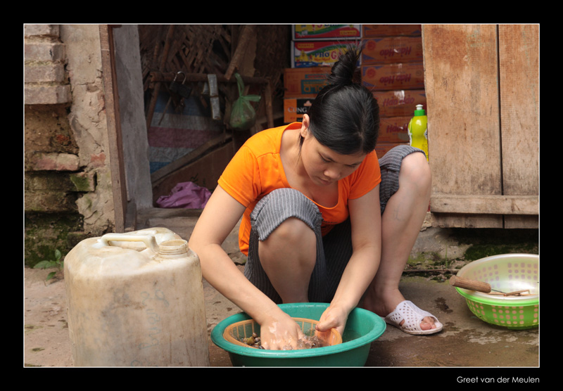 7701 Vietnam, cleaning vegetables