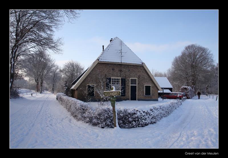 5366  farmhouse in snow