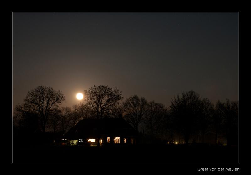 0918 farmhouse and full moon