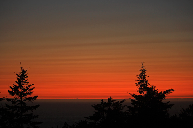 A sunset showing its stripes