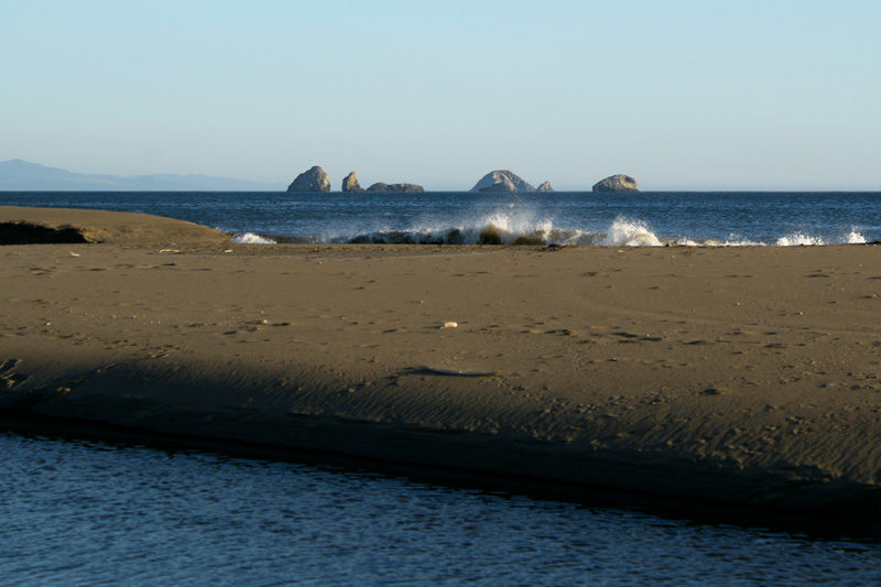 Red Fish Rocks and the Pacific
