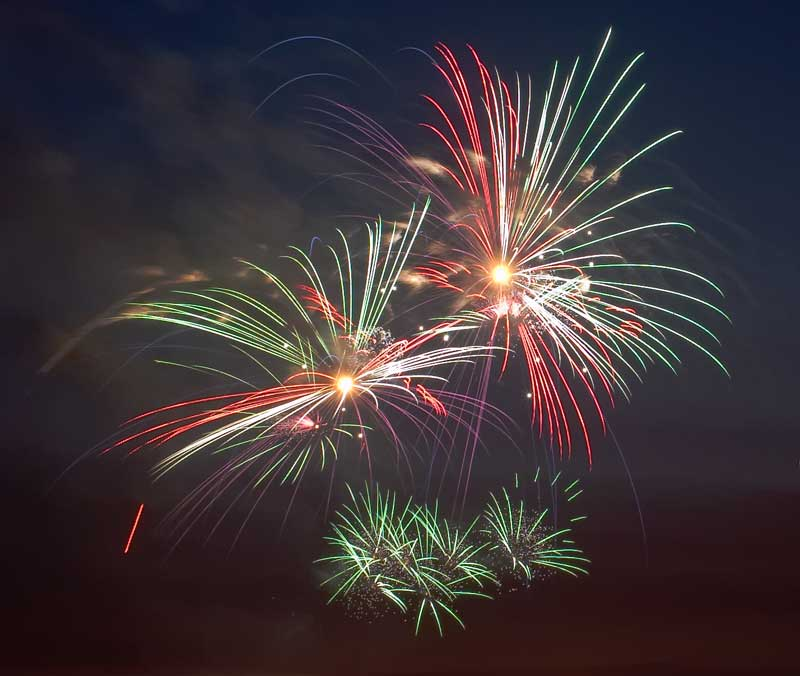 CRW_00337B.jpg Fireworks competition, Plymouth Sound - © A. Santillo 2003