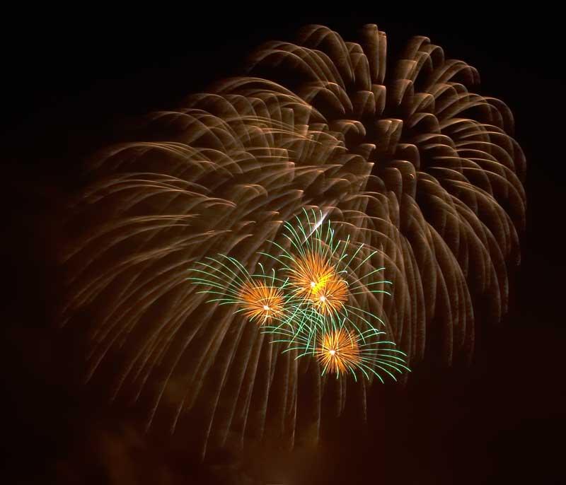CRW_00357B.jpg Fireworks competition, Plymouth Sound - © A. Santillo 2003