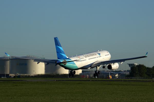 GARUDA INDONESIA AIRBUS A330 200 AMS RF 5K5A1590.jpg