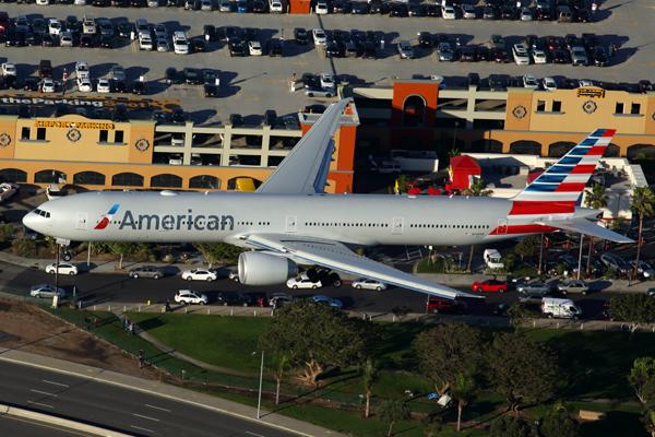 AMERICAN BOEING 777 300ER LAX RF 5K5A7653.jpg