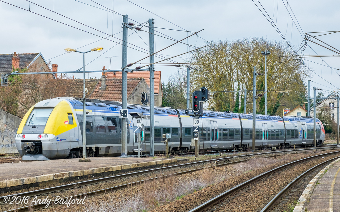 SNCF Class B 81500 AGC unit departs Cosne-Curs-sur-Loire with a service for Nevers, 23/3/16