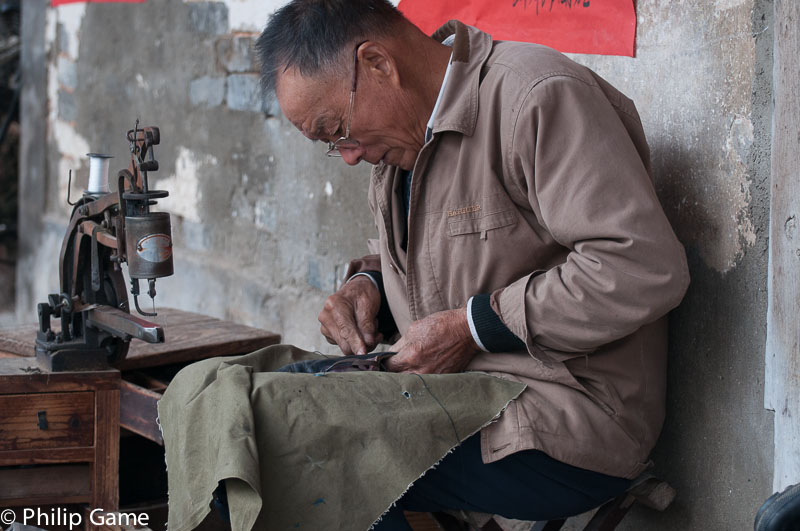Tangmo: the handyman