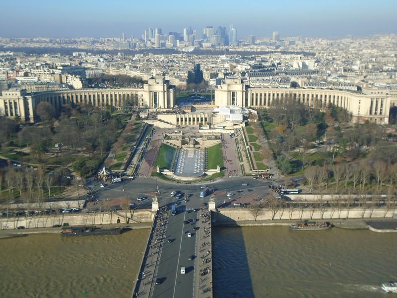 <a target=_blank href=http://en.wikipedia.org/wiki/Trocad%C3%A9ro>Trocadéro</a>