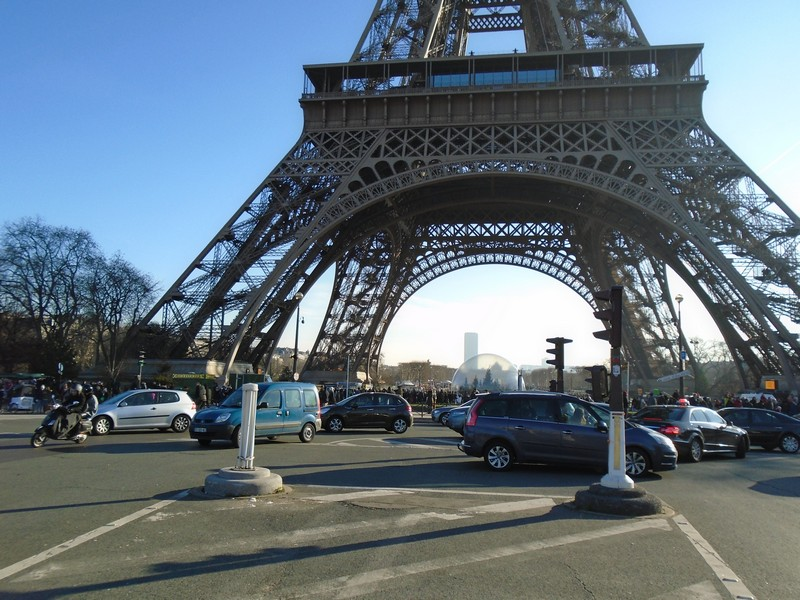 <a target=_blank href=http://en.wikipedia.org/wiki/Gustave_Eiffel>Gustave Eiffel</a>