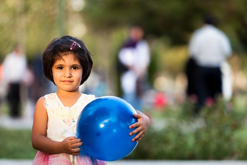 Girl with blue ball - Esfahan
