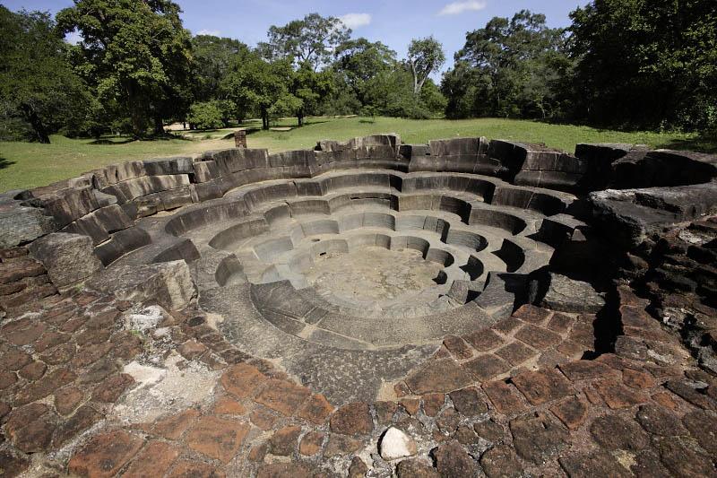 Polonnaruwa, Lotus Pond