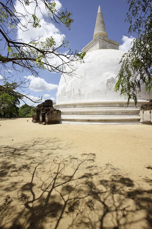 Polonnaruwa, Alahana Pirivena, Kiri Vihara