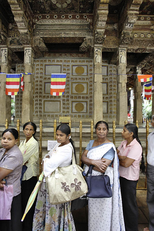 Kandy, at the Temple of the Tooth