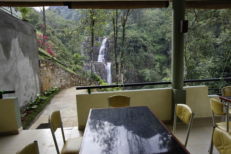 Ramboda Falls and hotel