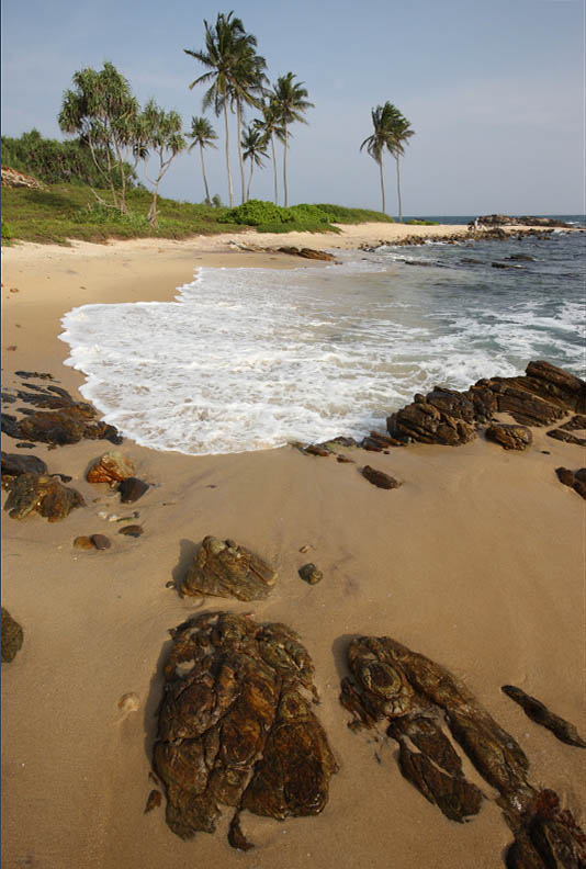Unakuruwa beach east