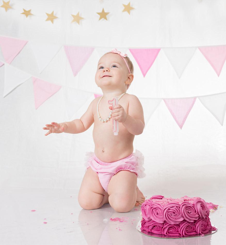 Cake Smash - Chloe's first birthday