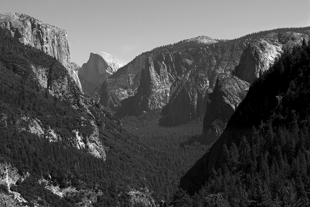 Yosemite Valley from El Portal Rd.jpg