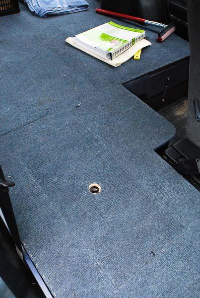 BED SYSTEM 2: Carpeted plywood floor in Subaru (3148)