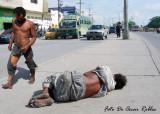 33 Grados de temperatura, bajo un sol canicular  se exibe la miseria Colombiana