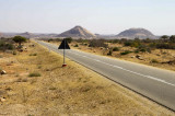 The road to Namibe