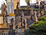 Statues at Loreta church