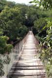 Puente Colgante sobre el Rio El Tambor