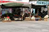 Venta de Verduras en el Mercado Local