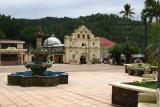 Vista Panoramica del Parque e Iglesia Catolica