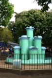 Singular Fuente Decora un Area del Parque