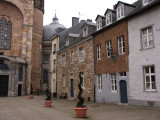 Aachener Dom, courtyard buildings