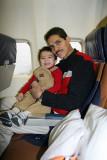 En el avion con papito