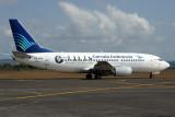GARUDA INDONESIA BOEING 737 300 DPS RF IMG_1337.jpg