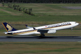 SINGAPORE AIRLINES AIRBUS A330 300 BNE RF IMG_1794.jpg