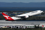 QANTAS BOEING 767 300 BNE RF IMG_1808.jpg
